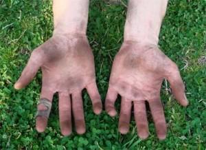 Заражение может происходить через грязные руки
